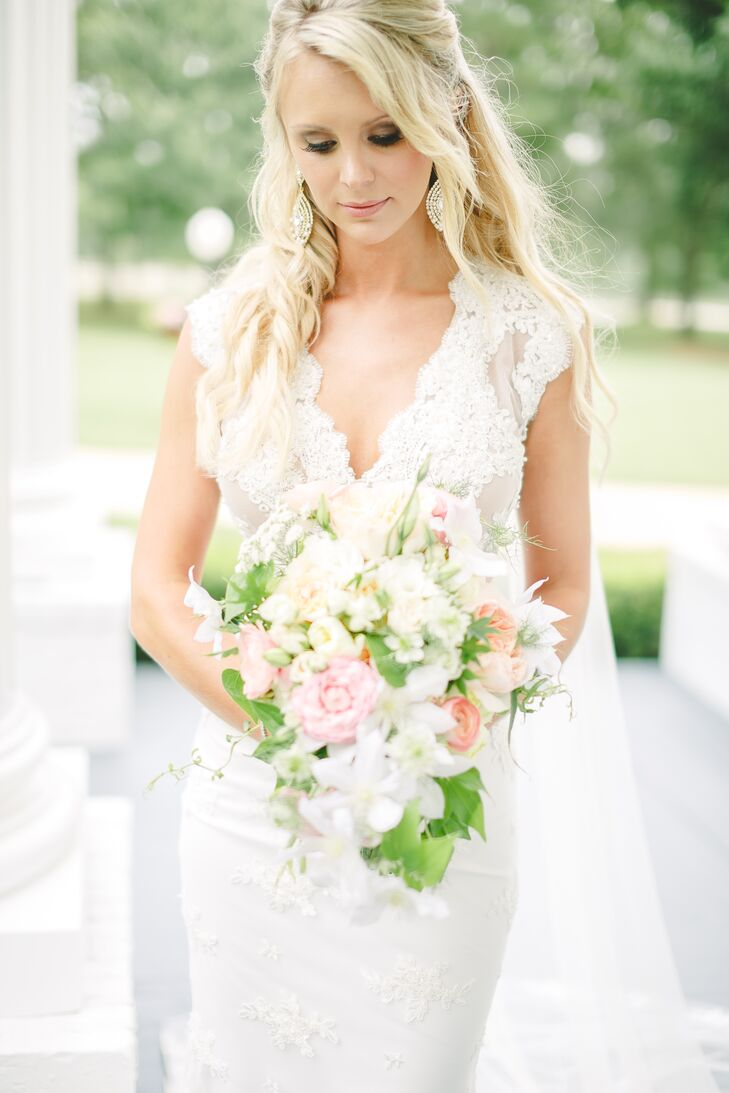 Romantic Cream and Blush Wedding Bouquet