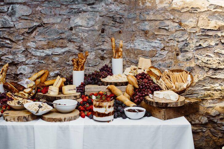 Tuscan-Inspired Cocktail Hour Menu