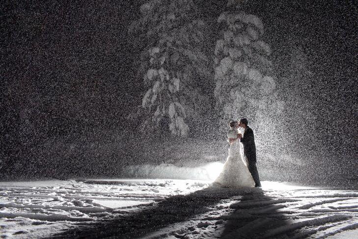 Snowfall Wedding Photo
