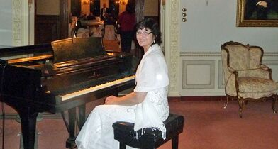 Pianist For Parties - Sharon Planer