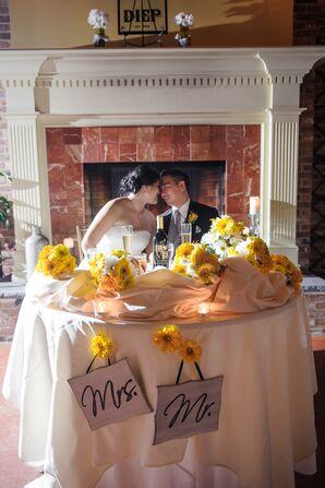 Yellow Gerbera Daisy Sweetheart Table