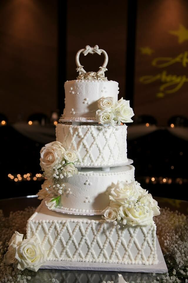 These 27 Stunning Wedding Cakes Are Too Much To Handle