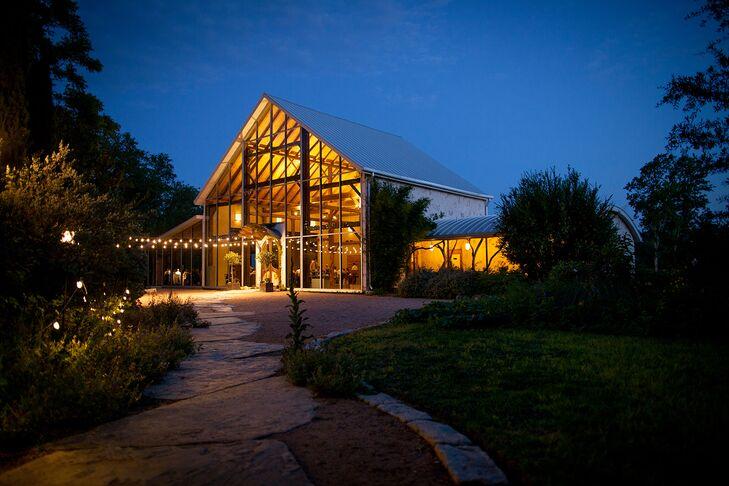 Nighttime Barr Mansion & Artisan Ballroom in Austin, Texas