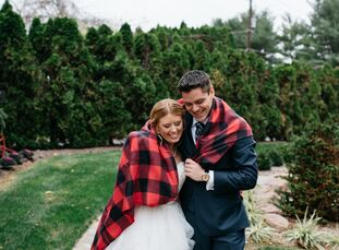 Inspired by a recent family reunion held in a lodge, Mindy (34 and an analyst) and Christopher (31 and an analyst) chose their wedding venue of Bear M