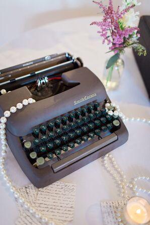 St. Augustine, Florida Vintage Typewriter Reception Accent