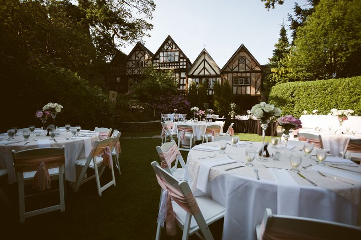 The reception was held outdoors, with the English Inn as a backdrop.
