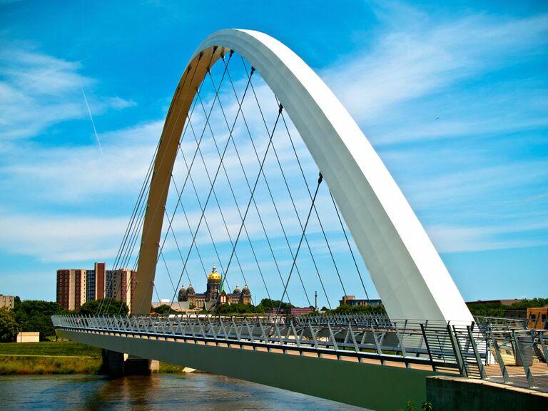 Des Moines Iowa bridge