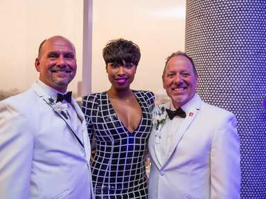 Jennifer Hudson crashes a gay couple's Texas wedding at the W Hotel in Dallas