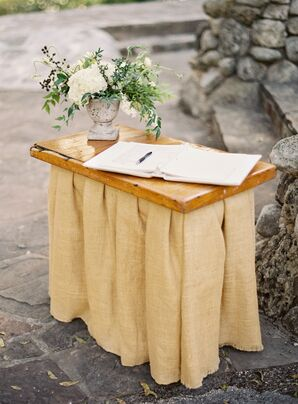 Guest Book on Natural Décor