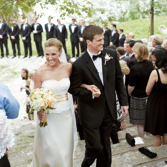 Vintage Wedding Dresses Dallas: Lisle & Scott: An Outdoor Wedding In Hunt, TX