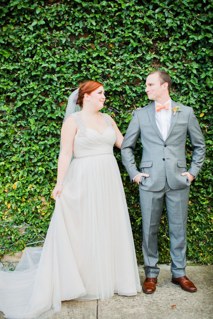 Alison Schugart (25) and Pierce McGrath (25 and an engineer) envisioned an organic fall fete for their Houston, Texas, wedding. As soon as they saw th