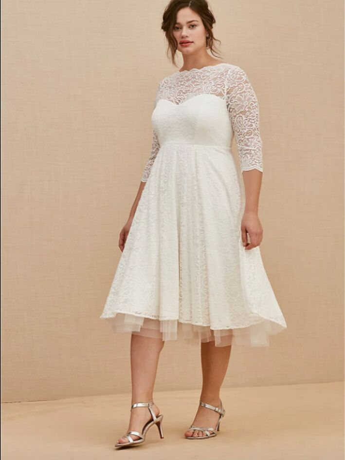 Lace tea-length dress with 3/4 length sleeves