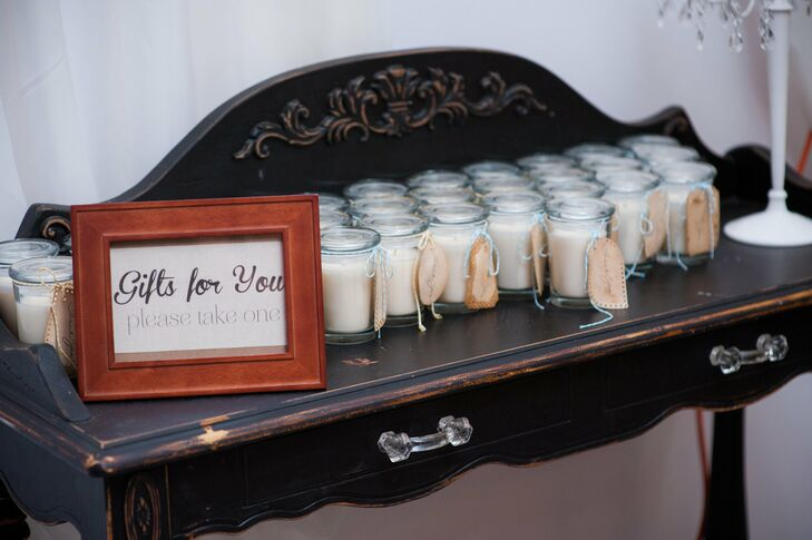The couple handmade candles to give as favors to their guests.