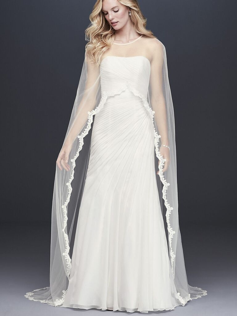 30 Stunning Bridal Capes For Wedding Dresses That You Will Love
