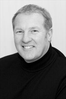 Rev. Dallas - The Platinum Wedding Officiant
