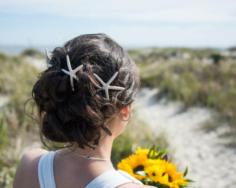 Starfish wedding hair accessory