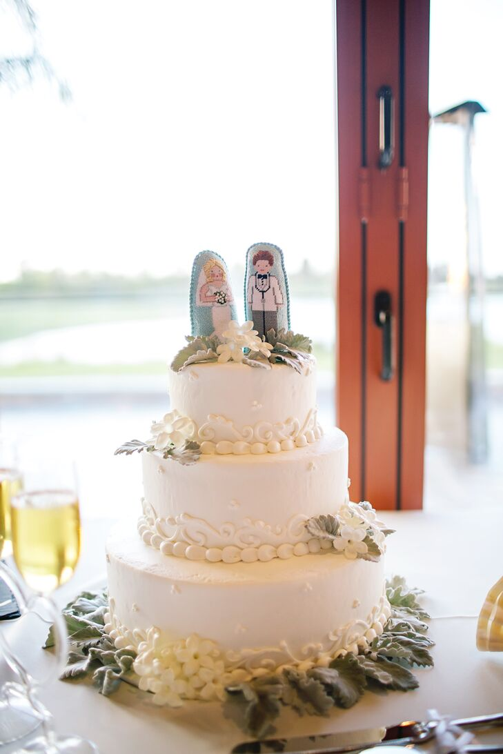 For dessert, everyone enjoyed a three-tier white cake with vanilla-cream cheese frosting. A candy bar was also available to guests for additional sweet treats.
